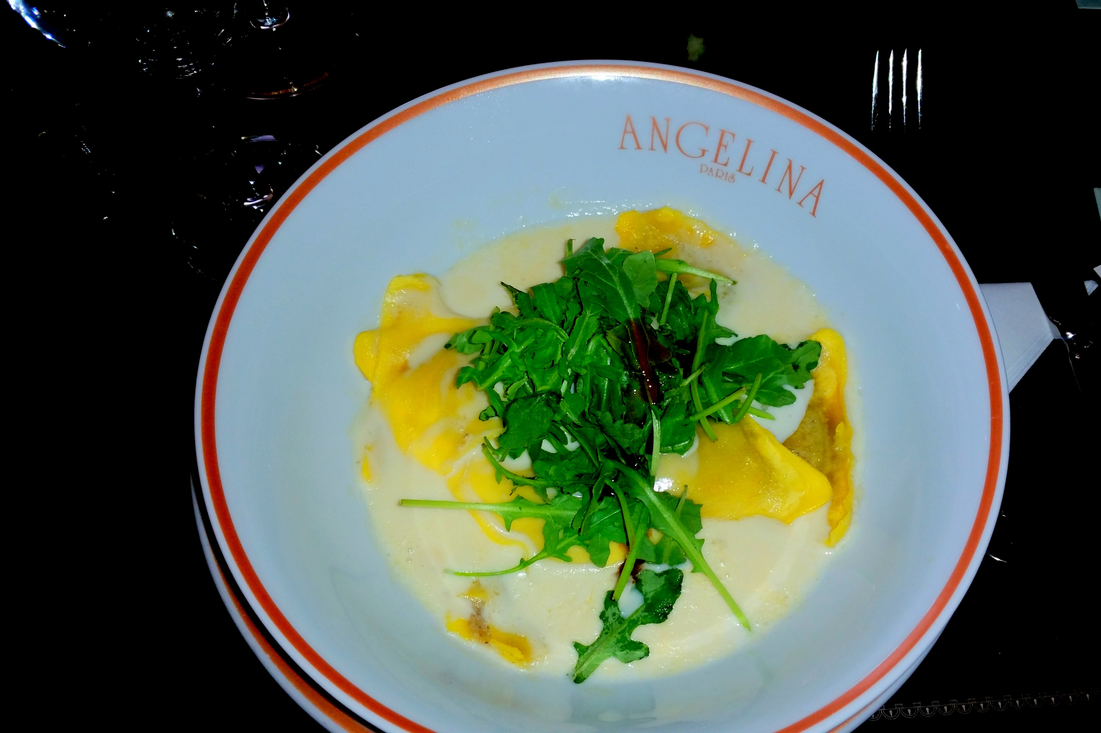 Restaurante do Palácio de Vesralhes - Dirigir na França