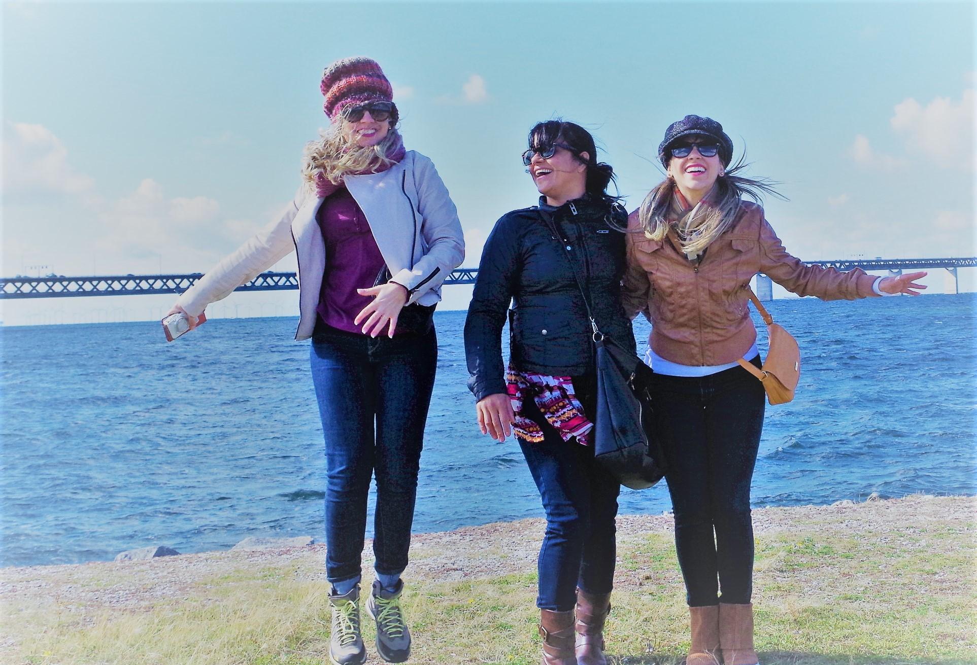 liberdade e pular pelado no mar da suecia