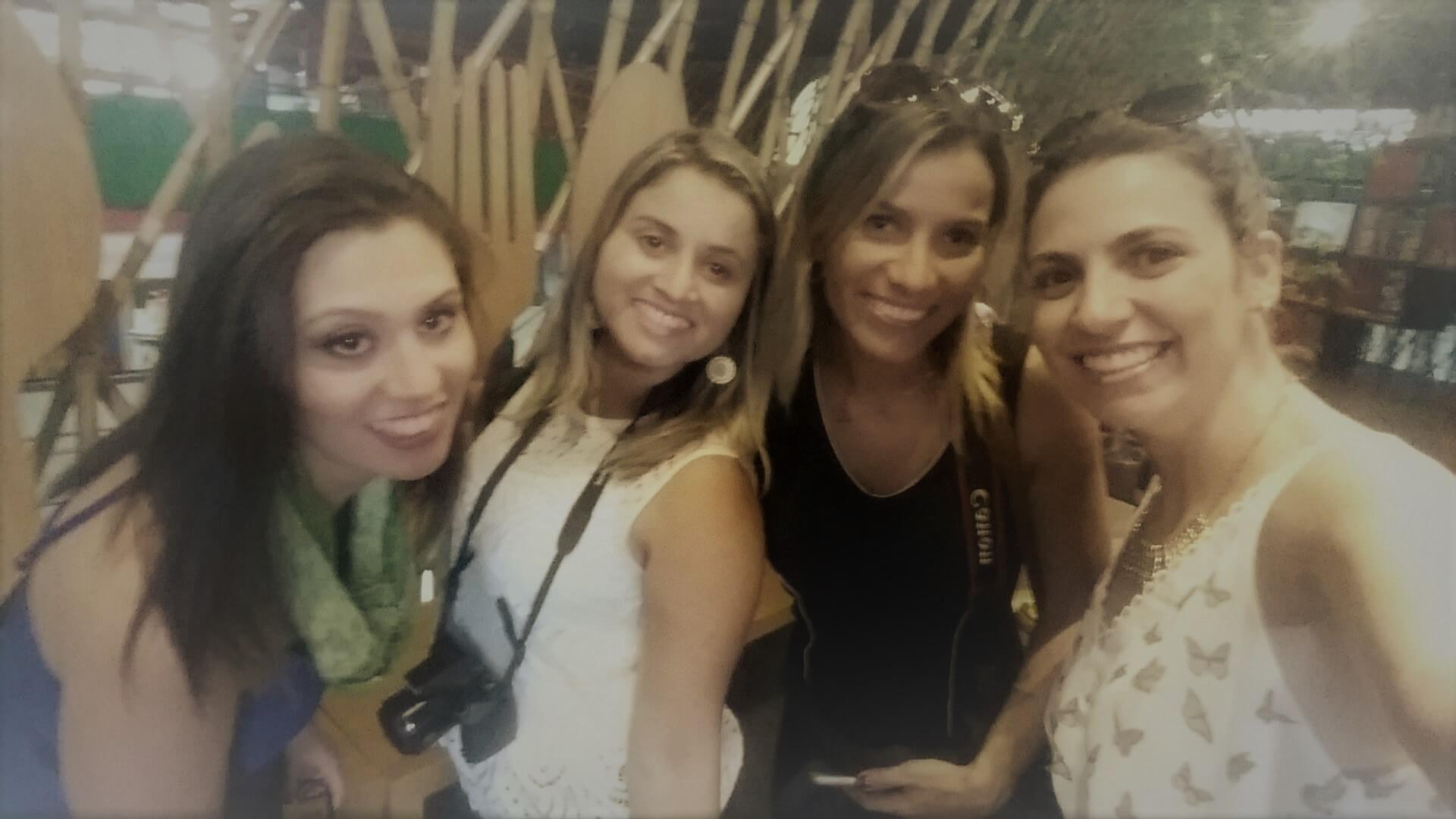 Blogueiras de viagem no Mercado central de BH