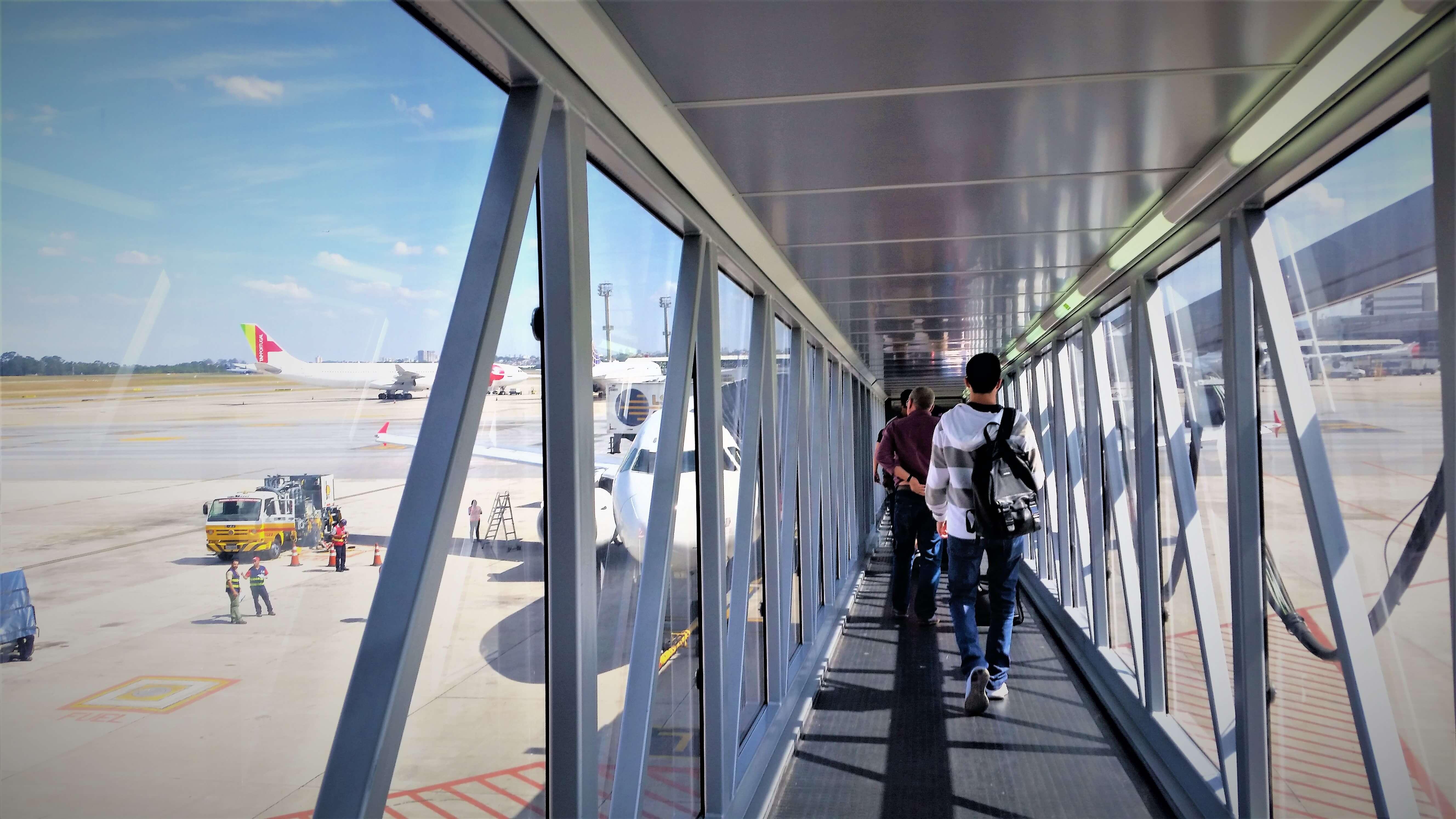 dicas para viajar de avião - Coisas que você não deve fazer