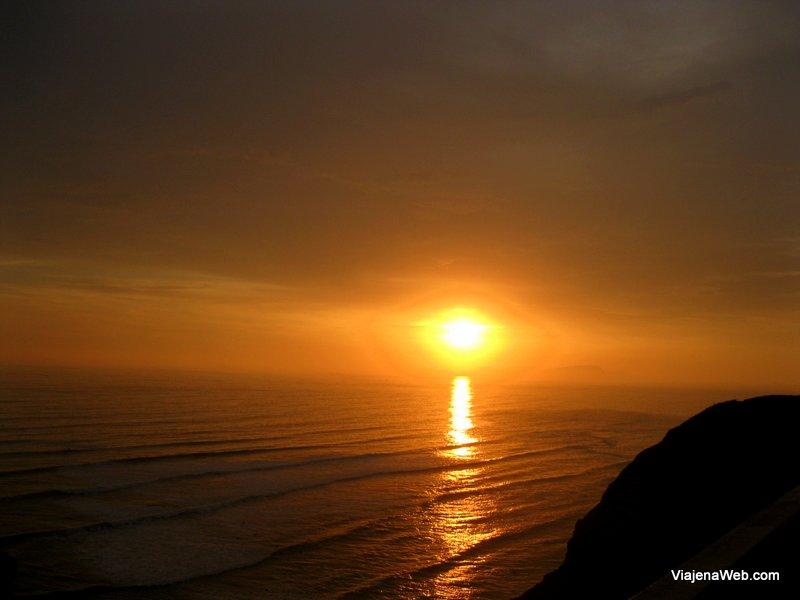 Por do sol em Lima