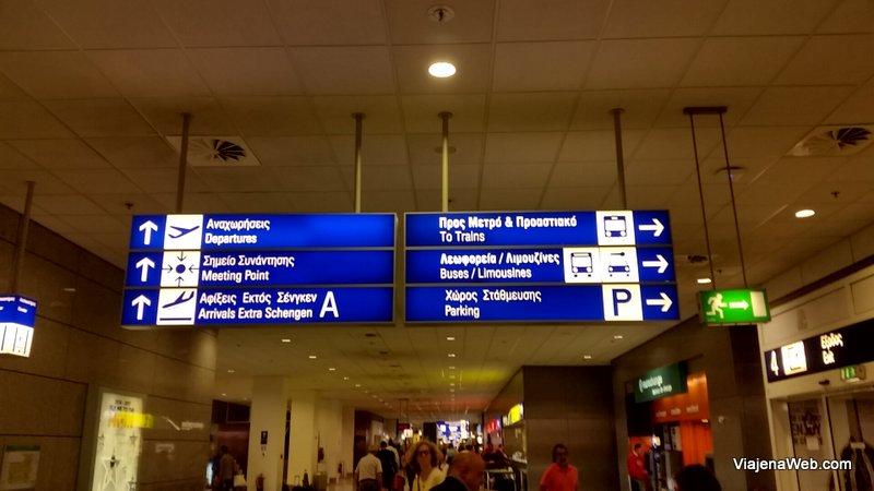 Placas no aeroporto de Atenas Metrô