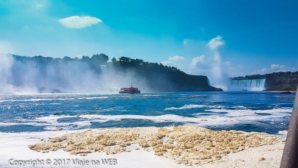 Passeio de Barco pelas Cataratas em Niagara Falls