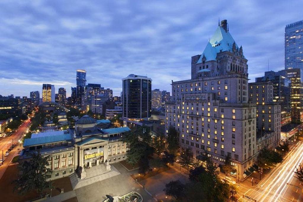Fairmont - hotel bem localizado em Vancouver